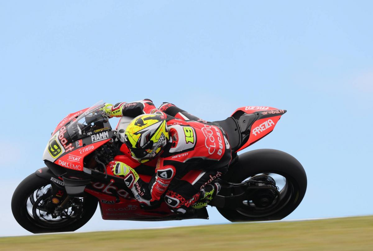 Bautista stays clear of Haslam, Rea