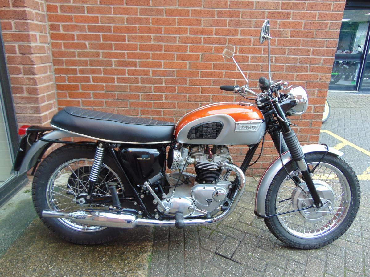 Triumph Bonneville T120R | Bike of the week