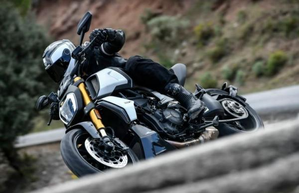 Ducati Diavel 1260S Review