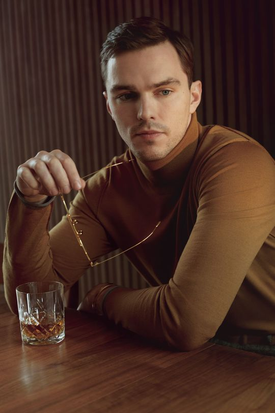 Nicholas Hoult PDF-4 - Celebrity Men - Tyler Johnston