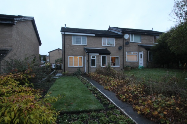 2 Bedrooms Semi Detached House for sale in Acaster Drive, Bradford, West Yorkshire, BD12 0BE