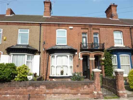 2 Bedrooms Flat for sale in Wellowgate, Grimsby, South Humberside, DN32 0EY