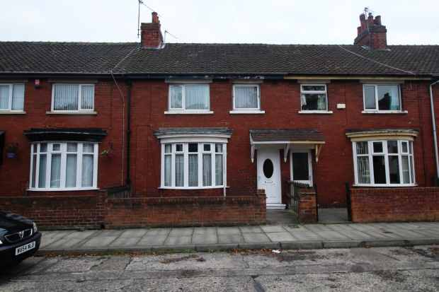 3 Bedrooms Terraced House for sale in Carlow Street, Middlesbrough, Cleveland, TS1 4RZ