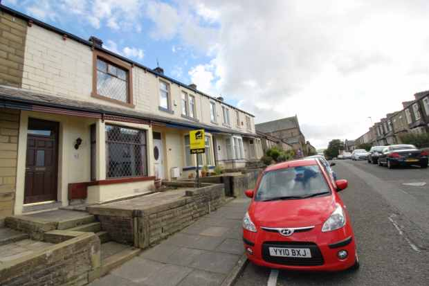 3 Bedrooms Terraced House for sale in Albion St, Burnley, Lancashire, BB11 4JG