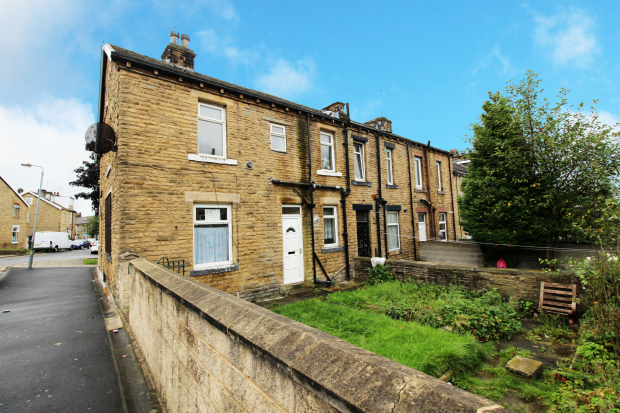 3 Bedrooms Terraced House for sale in Harewood Street, Bradford, West Yorkshire, BD3 9DS