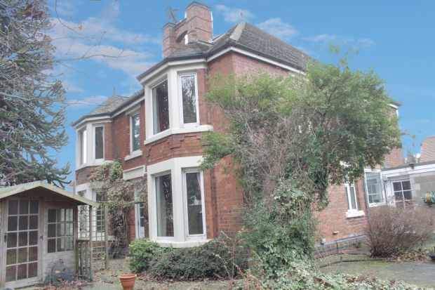 4 Bedrooms Detached House for sale in Main Road, Nottingham, Nottinghamshire, NG16 1HE