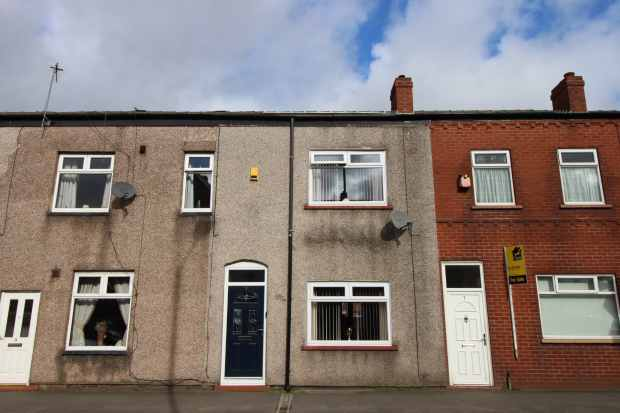 2 Bedrooms Terraced House for sale in Manchester Road, Manchester, Greater Manchester, M29 8DW