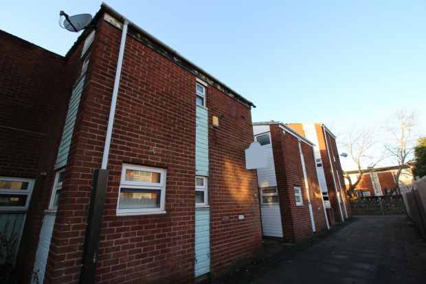 3 Bedrooms Semi Detached House for sale in Alderley, Skelmersdale, Lancashire, WN8 9LY