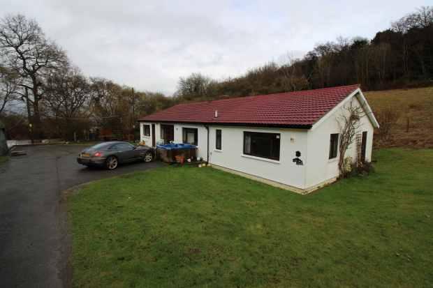 5 Bedrooms Detached Bungalow for sale in Ashen Grove Road, Sevenoaks, Kent, TN15 6YE