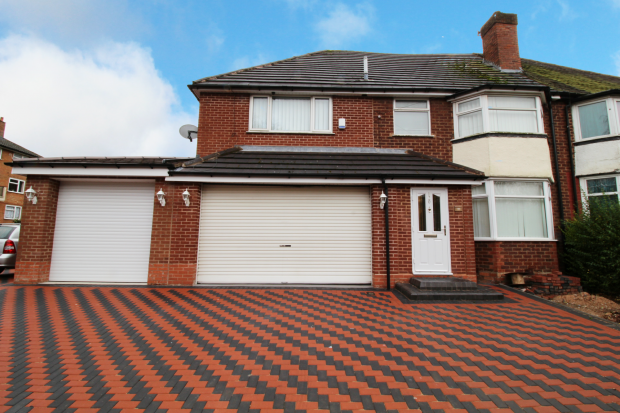 4 Bedrooms Semi Detached House for sale in Norman Road, Smethwick, West Midlands, B67 5NT
