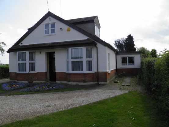 5 Bedrooms Detached Bungalow for sale in Burnham Road, Maldon, Essex, CM9 6SR