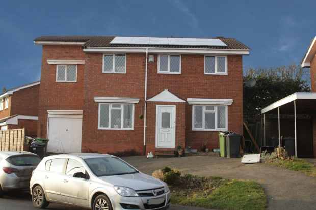 6 Bedrooms Detached House for sale in Chesterton Drive, Nuneaton, Warwickshire, CV10 9QR