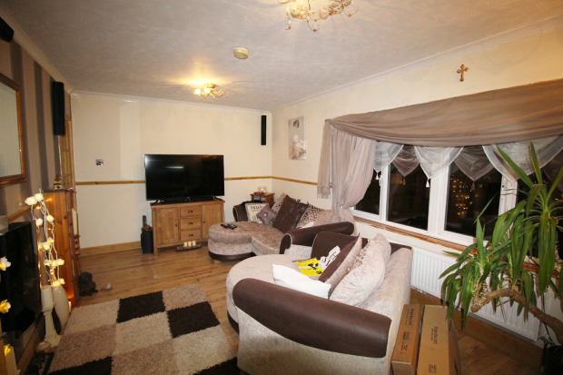 2 Bedrooms Apartment Flat for sale in Jones Field Crescent, Wolverhampton, West Midlands, WV1 2LT