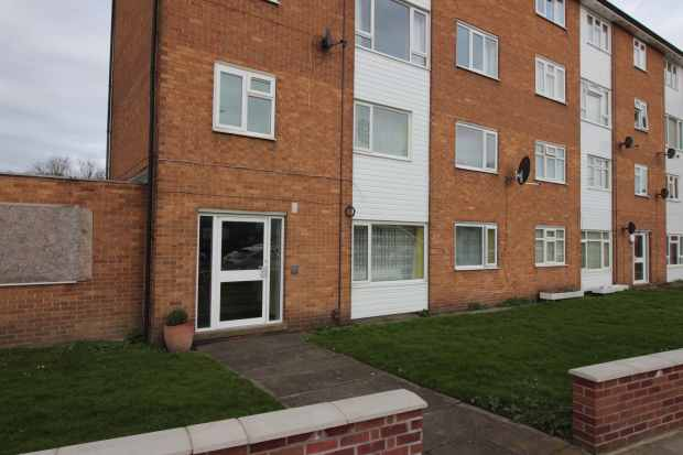 2 Bedrooms Maisonette Flat for sale in Stamp End, Lincoln, Lincolnshire, LN2 5DP