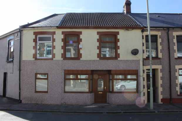 3 Bedrooms Terraced House for sale in Ynyscynon Road, Tonypandy, Mid Glamorgan, CF40 2LL