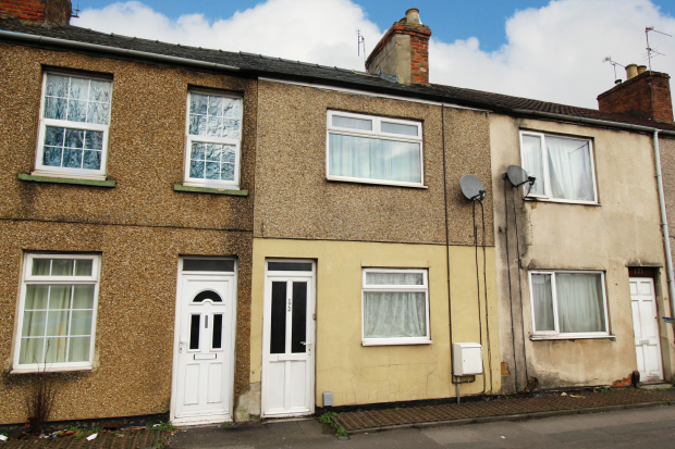 2 Bedrooms Terraced House for sale in Manchester Road, Swindon, Wiltshire, SN1 1TU