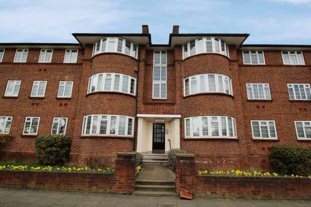 3 Bedrooms Apartment Flat for sale in Beaufort Park, London, Greater London, NW11 6DA