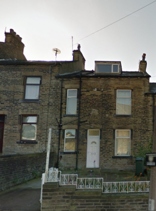 2 Bedrooms Terraced House for sale in Peel Park Terrace, Bradford, West Yorkshire, BD2 4PL