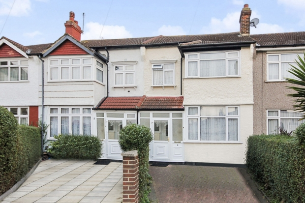 3 Bedrooms Terraced House for sale in Helmsdale Road, South West London, Greater London, SW16 5UT