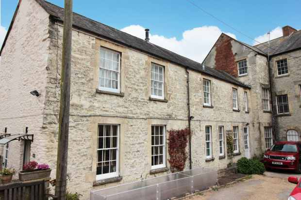 2 Bedrooms Apartment Flat for sale in Welcome House North Street, Warminster, Wiltshire, BA12 6HH