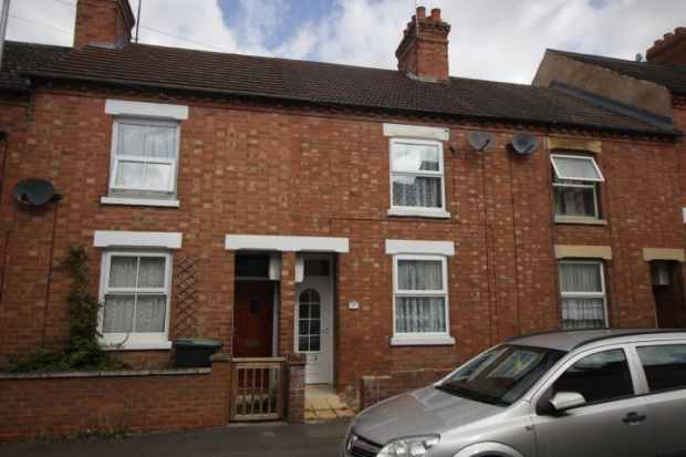 2 Bedrooms Terraced House for sale in Crabb Street, Rushden, Northamptonshire, NN10 0RH