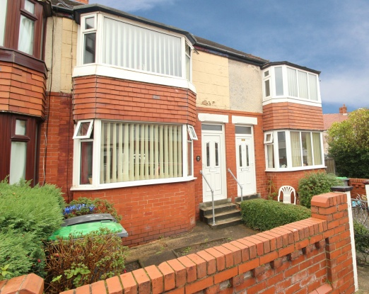 3 Bedrooms Terraced House for sale in Highbank Avenue, Blackpool, Lancashire, FY4 4PR