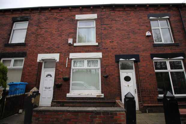 2 Bedrooms Terraced House for sale in Clarksfield Road, Oldham, Lancashire, OL4 1LN