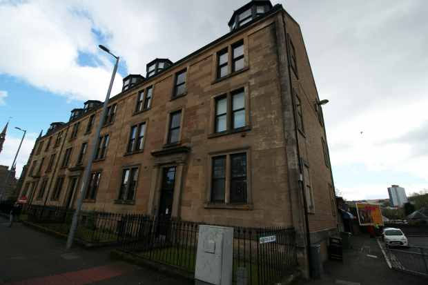 2 Bedrooms Flat for sale in Nelson Street, Greenock, Renfrewshire, PA15 1TU