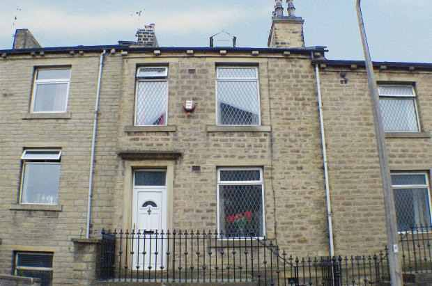 4 Bedrooms Terraced House for sale in Rochdale Road, Halifax, West Yorkshire, HX4 8AH