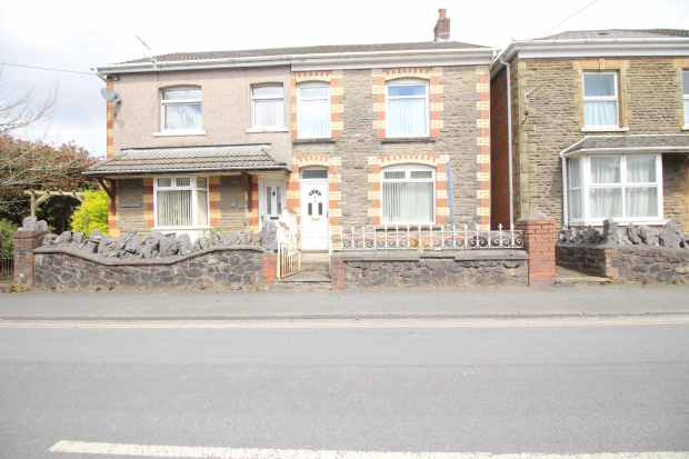 3 Bedrooms Semi Detached House for sale in Station Road, Swansea, West Glamorgan, SA9 1NX