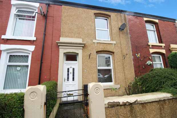 2 Bedrooms Terraced House for sale in Marlton Road, Blackburn, Lancashire, BB2 3LX