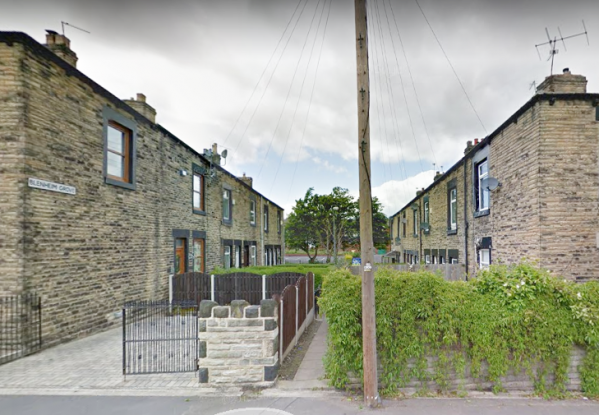 2 Bedrooms Terraced House for sale in Blenheim Grove, Barnsley, South Yorkshire, S70 6AY