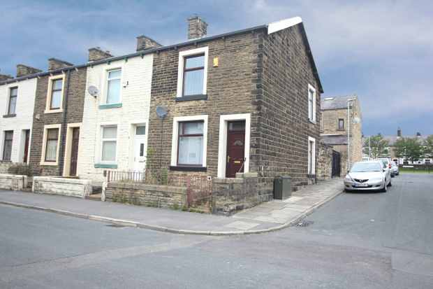 2 Bedrooms Property for sale in Stockbridge Road, Burnley, Lancashire, BB12 7EX