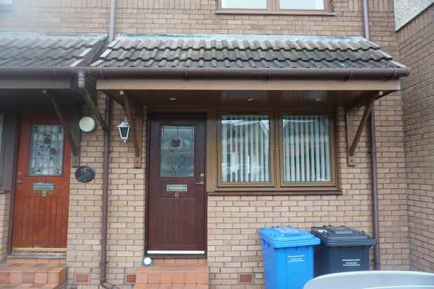 2 Bedrooms Terraced House for sale in Birch Terrace, Ardrossan, Ayrshire, KA22 8PT