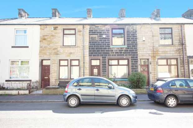 2 Bedrooms Terraced House for sale in Bracewell Street, Burnley, Lancashire, BB10 1TB