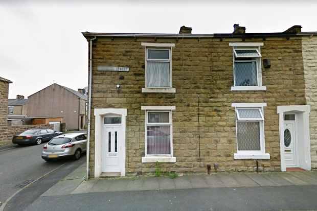 2 Bedrooms Terraced House for sale in Knowles Street, Blackburn, Lancashire, BB1 4JA