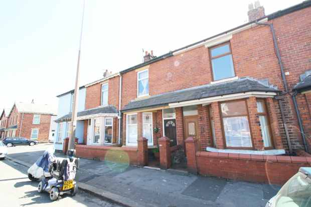 3 Bedrooms Terraced House for sale in Pharos Street, Fleetwood, Lancashire, FY7 6AY