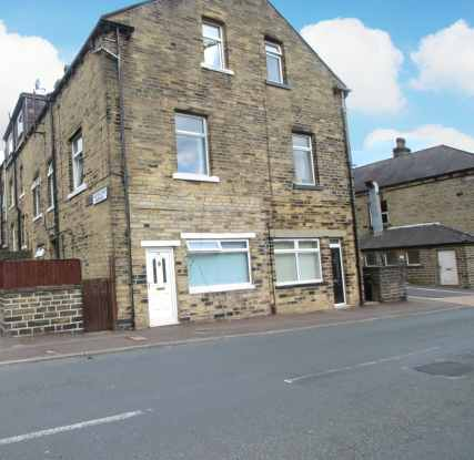 4 Bedrooms Property for sale in Cleveland Avenue, Halifax, West Yorkshire, HX3 9BA