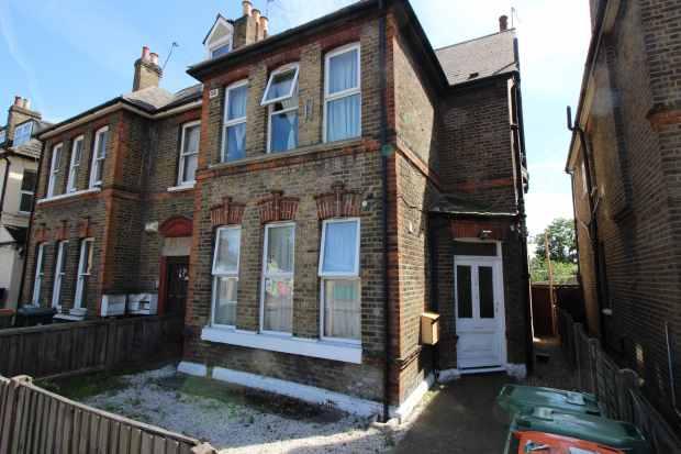 3 Bedrooms Flat for sale in Plashet Road, London, Greater London, E13 0PU