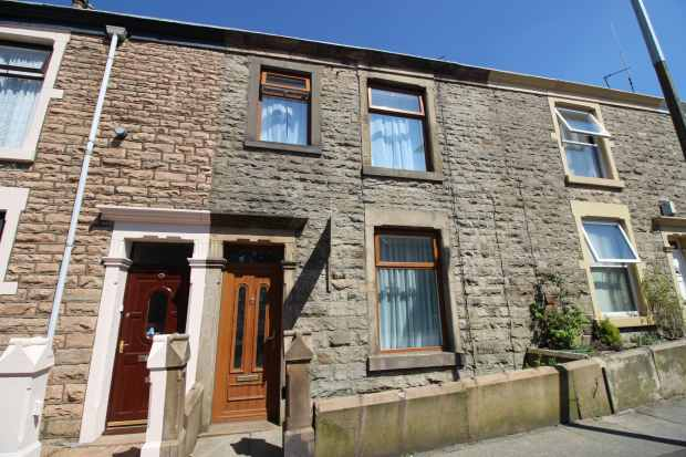 2 Bedrooms Terraced House for sale in Highfield Road, Darwen, Lancashire, BB3 2DN
