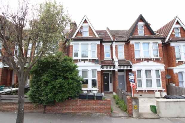 1 Bedroom Flat for sale in Holmesdale Road, London, Greater London, SE25 6PR