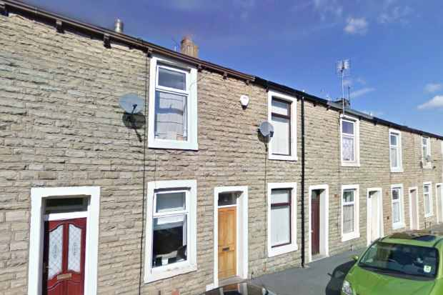 3 Bedrooms Terraced House for sale in Victoria Street, Accrington, Lancashire, BB5 3JW