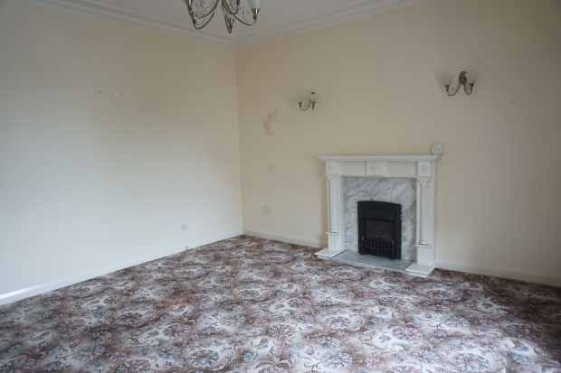 3 Bedrooms Maisonette Flat for sale in Burns Street, Irvine, Ayrshire, KA12 8RW