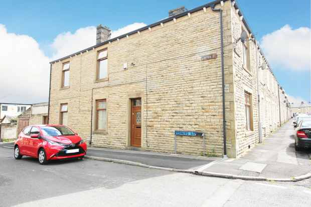 4 Bedrooms Terraced House for sale in Swiss Street, Accrington, Lancashire, BB5 1SJ