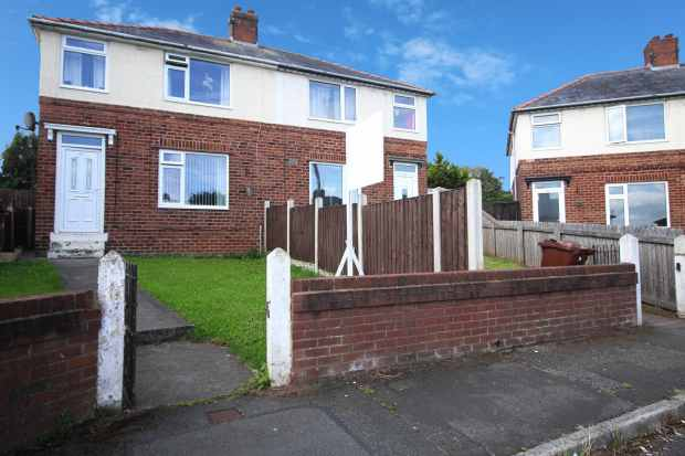 3 Bedrooms Semi Detached House for sale in Maes Y Dre Avenue, Flint, Clwyd, CH6 5JE