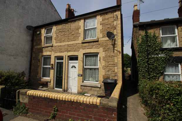 2 Bedrooms Semi Detached House for sale in Main Road, Ffynnongroyw, Flintshire, CH8 9SW