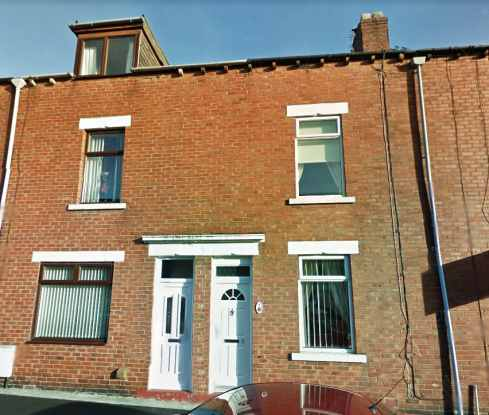 4 Bedrooms Terraced House for sale in Tivoli Place, Bishop Auckland, Durham, DL14 6AU