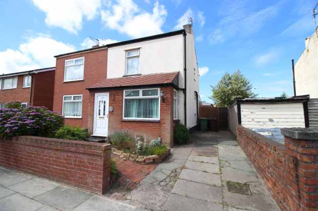 3 Bedrooms Semi Detached House for sale in High Park Road, Southport, Merseyside, PR9 7QL