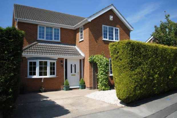4 Bedrooms Detached House for sale in Defender Drive, Grimsby, South Humberside, DN37 9PQ