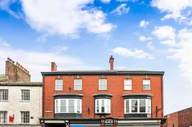 3 Bedrooms Apartment Flat for sale in Queens Street, Ripon, North Yorkshire, HG4 1EG